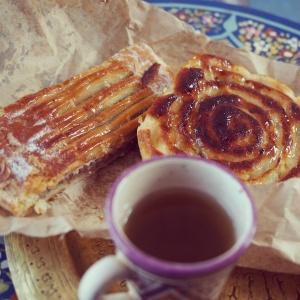 今朝は甘いケーキを朝ごはんに。